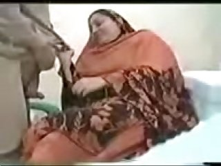 Doctor fucks Indian mom in the hospital