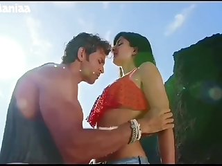 NAVEL - Katrina Kaif deep navel compilation from Bang Bang